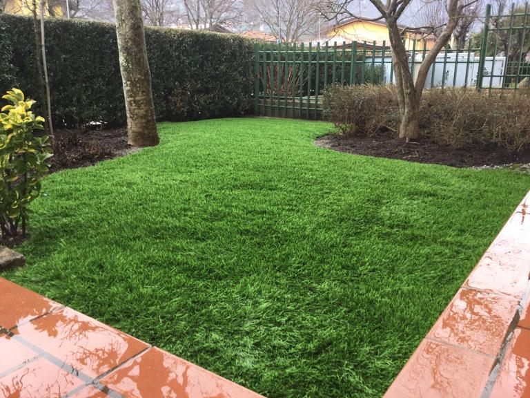 realizzazione-giardino-prato-sintetico-dopo_1